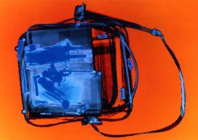 Hängetasche Orange <br> 1999<br><br> C-Print, 60 x 85 cm