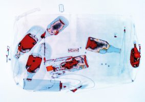 Flaschen Rot-Weiß <br> 1999<br><br> C-Print, 60 x 85 cm