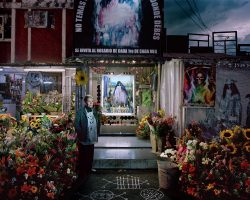 SANTA MUERTE   <br> Mexico City 2016 <br><br> C-Print<br>  Leuchtkasten<br>  300 x 375 cm<br><br><font color=#808080>Caja de luz<br> 300 x 375 cm